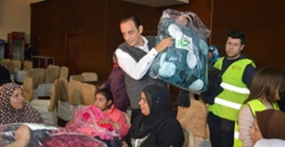 Student convoy to distribute blankets and clothes at Imbaba Polio Institute